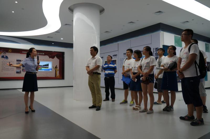 6-实践团参观高新区规划展示馆.jpg